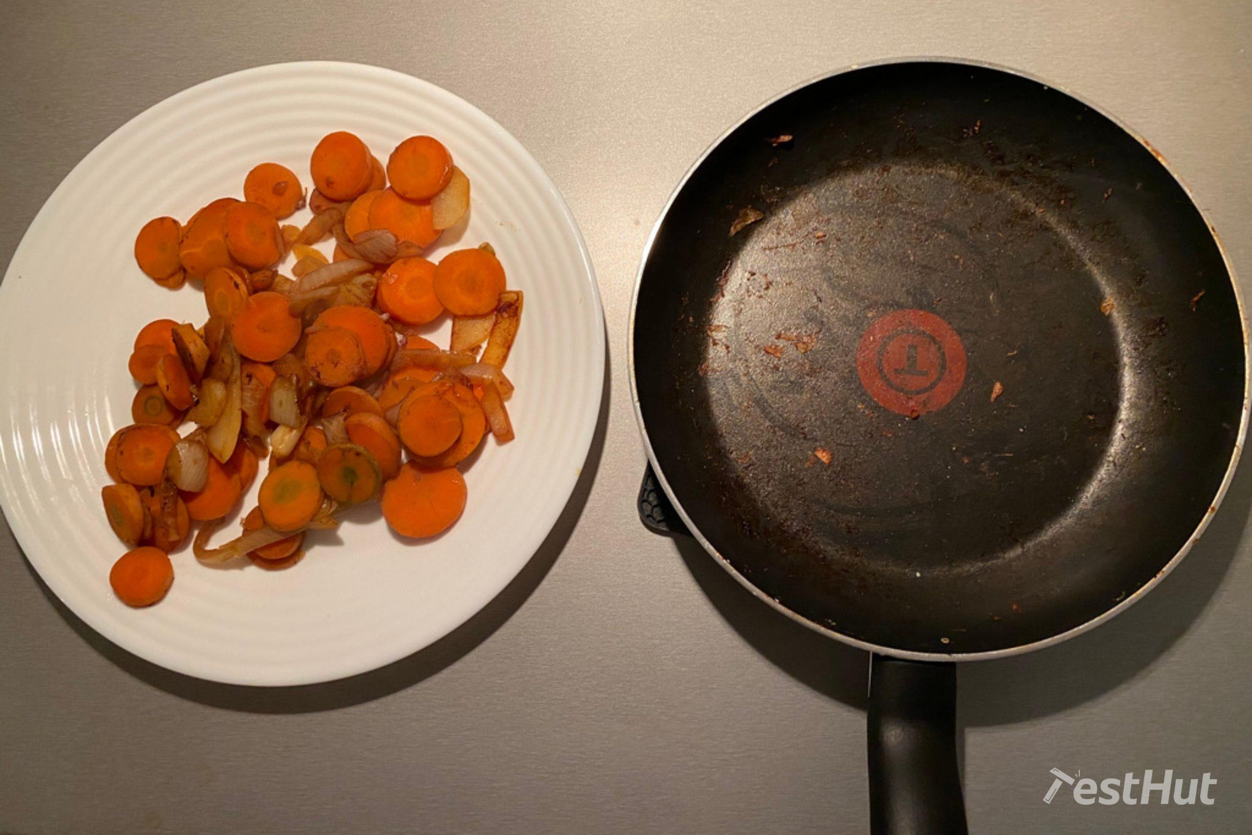 Frying pan Tefal Precision Plus stir fry test